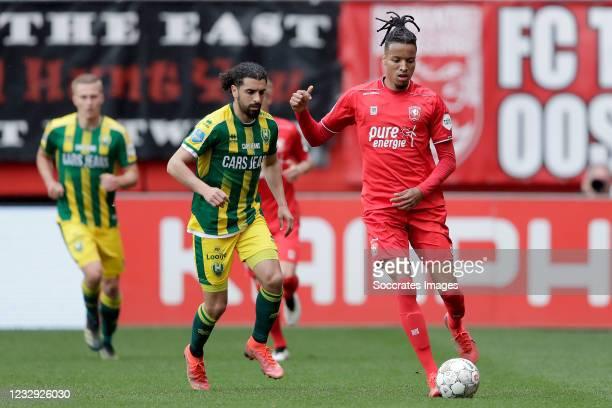 Youness Mokhtar of ADO Den Haag, Tyronne Ebuehi of FC Twente during the Dutch Eredivisie match between Fc Twente v ADO Den Haag at the De Grolsch...