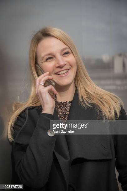 young active woman - alain bachellier photos et images de collection