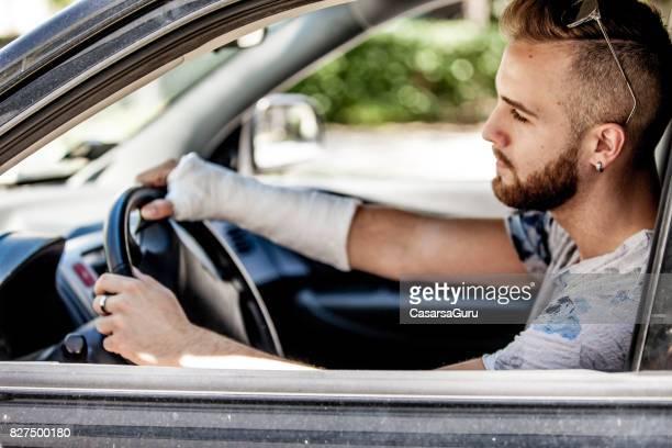 köra bil med gips