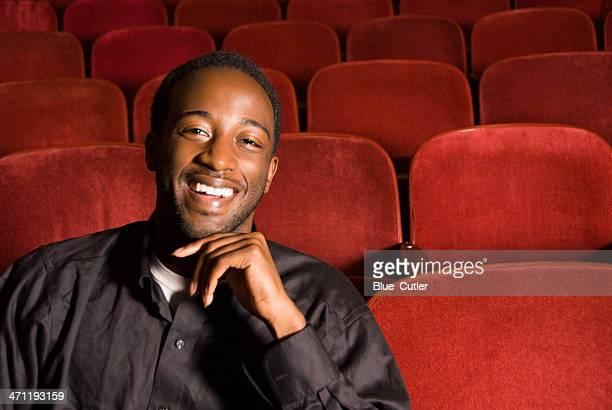 jovem americana africano macho in theater - actor - fotografias e filmes do acervo
