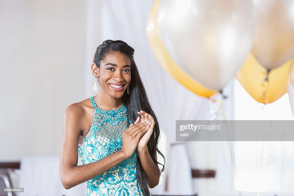 Young African American woman in elegant dress : Foto de stock
