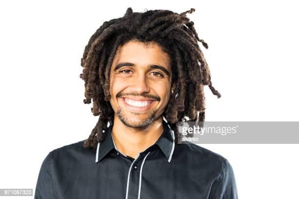 jeune homme américain afro souriant - rasta photos et images de collection