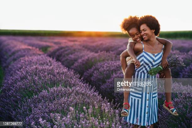 young and carefree - agricultural field stock pictures, royalty-free photos & images