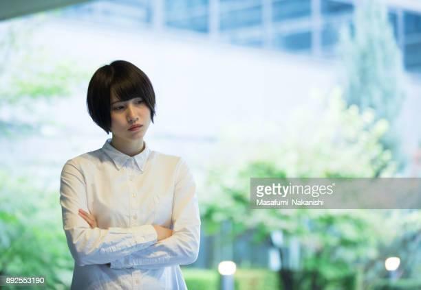 若いアジア ビジネスの女性の肖像画 - 心配する ストックフォトと画像