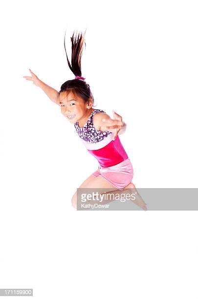 Jeune gymnaste asiatique
