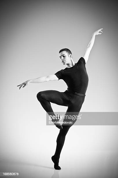 6 021 Balletttänzer Mann Bilder Und Fotos Getty Images
