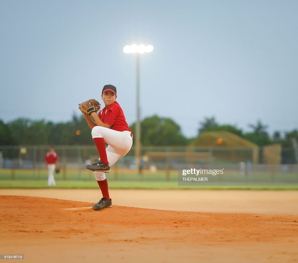 young baseball league pitcher : Stockfoto