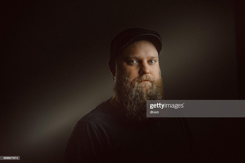 Junge bärtige Mann Porträt : Stock-Foto