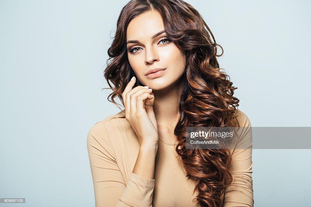 Joven hermosa mujer  : Foto de stock
