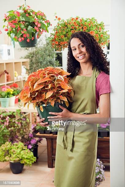Jovem mulher negra pequenas empresas proprietário Shopkeeper Vt Centro de Jardim