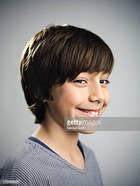 Junge lächelnd