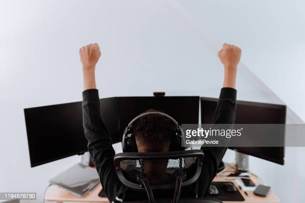 young boy streaming games - esports stock pictures, royalty-free photos & images