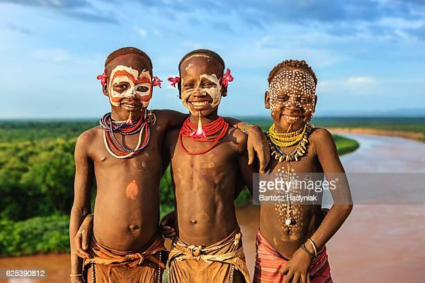 Young boys vom Stamm der Karo, Äthiopien, Afrika