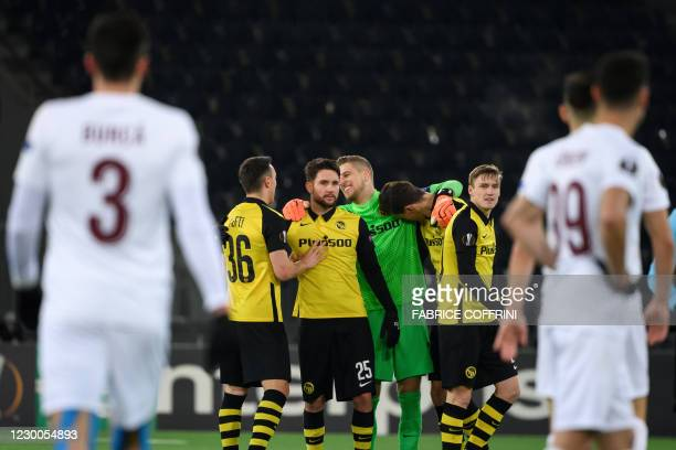 Young Boys' players celebrate their victory after the UEFA Europa League Group A match between BSC Young Boys and CFR 1907 Cluj at the Station...