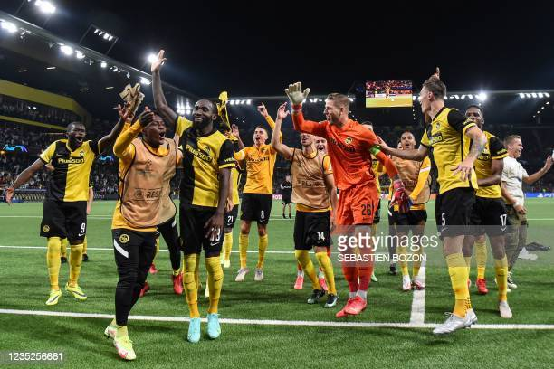 Young Boys' Swiss goalkeeper David Von Ballmoos celebrates with teammates after winning the UEFA Champions League Group F football match between...