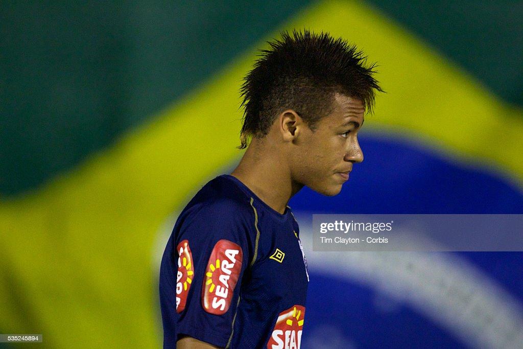 Soccer - Futebol Brasileirao - Neymar : News Photo