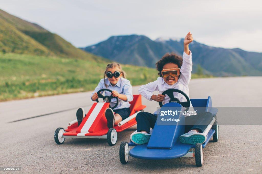 Young Business Girl gewinnt das Rennen : Stock-Foto