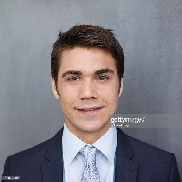 Jeune homme d'affaires-gros plan Portrait