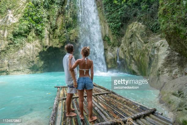 Einem Sex Wasserfall unter Restaurant Porno