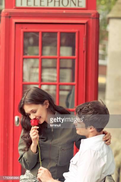 Junges Paar Flirten in London
