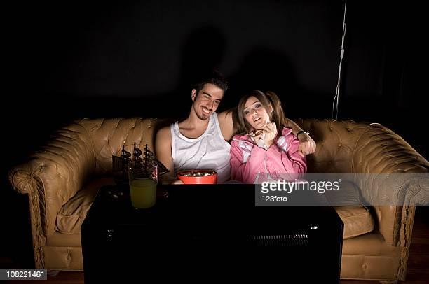Jeune Couple à la maison