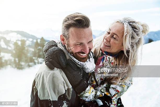 young couple on winter holiday - winter sport stock pictures, royalty-free photos & images
