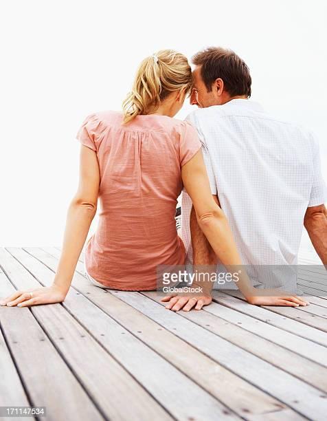 Junges Paar Romantik pur am pier