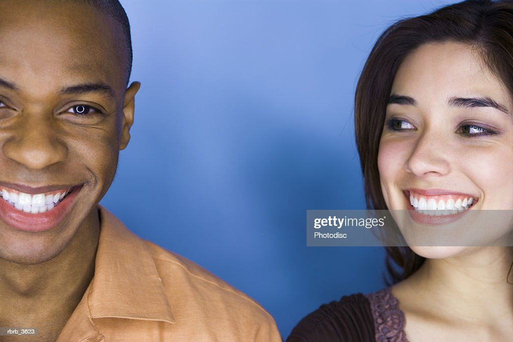 Young couple smiling : Foto de stock
