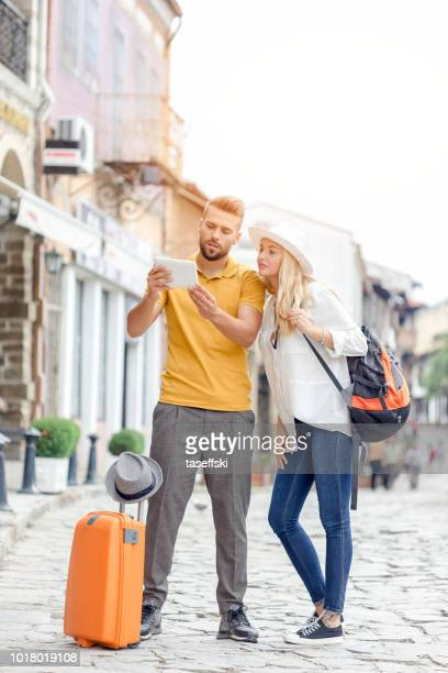 Young couple traveling.