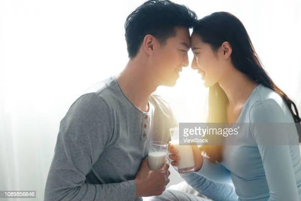 Young couples to drink milk
