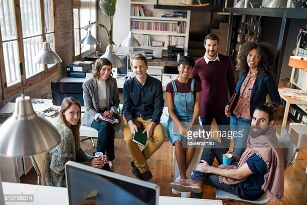 Giovane business avvio persone creativo