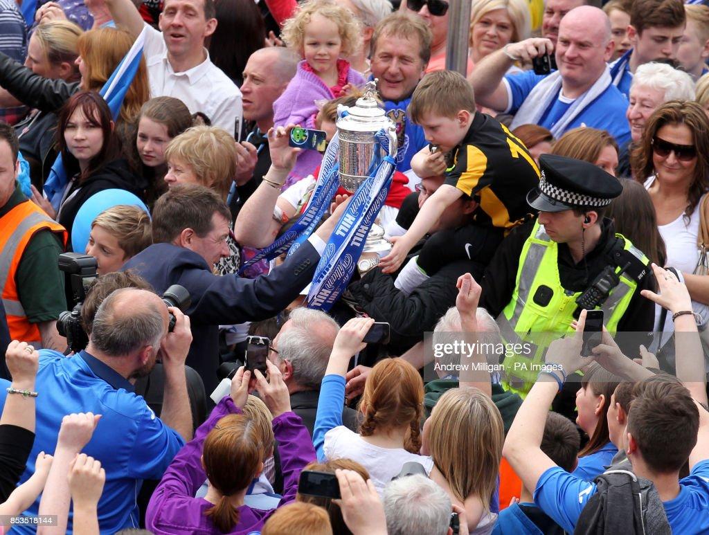 Soccer - Scottish Cup - St Johnstone Winners Parade : News Photo