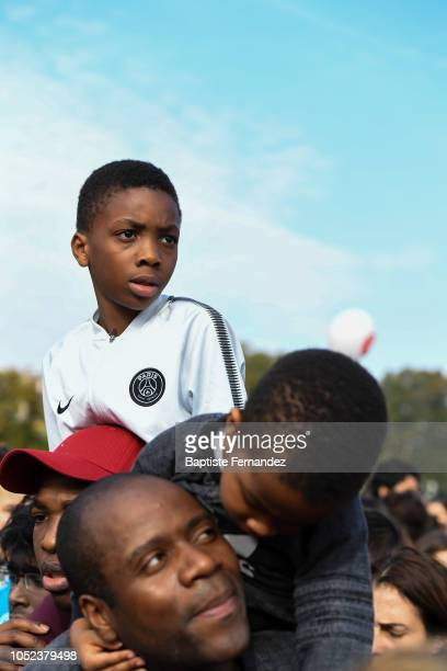 A young fan wait for his idole during the return of UEFA Soccer World Champion Kylian Mbappe to his hometown Bondy to celebrate the UEFA World Cup...