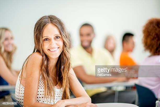 Joven estudiante universitario