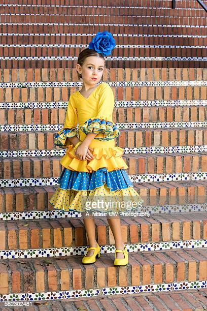 young flamenco dancer - traditionele kledij stockfoto's en -beelden