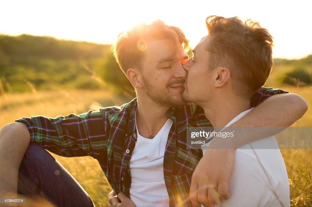 rencontre couple gay à Saint-Louis