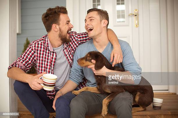 Giovane coppia gay.