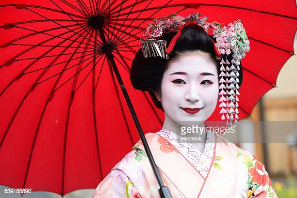 young geisha - kyoto prefecture stock pictures, royalty-free photos & images