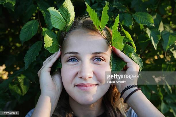 a young girl enjoy on the garden - mädchen 14 jahre stock-fotos und bilder