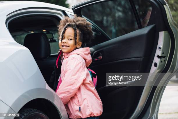 young girl going to school with parent - entrar imagens e fotografias de stock