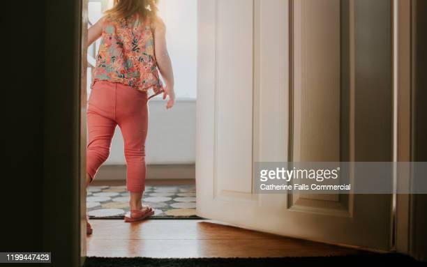 young girl in room - gender role fotografías e imágenes de stock
