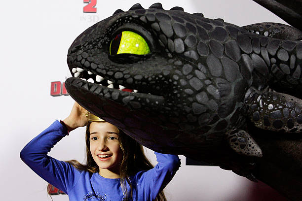 How to train your dragon 2 australian premiere photos and images a young girl meets toothless the dragon at the how to train your dragon 2 ccuart Images