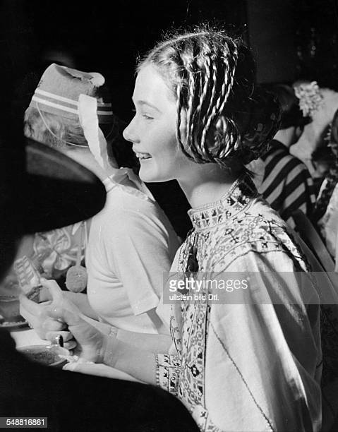 Young girls carnival masqueraded girl Portrait sideface 1939 Photographer Hedda Walther Vintage property of ullstein bild