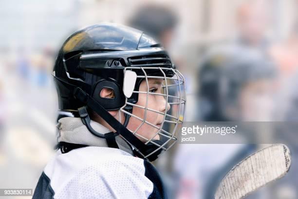 若いホッケー選手 - ジュニアレベル ストックフォトと画像