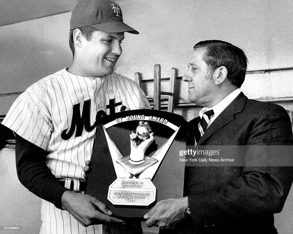 Young in Heart, Tom Seaver of New York Mets' receives Cy You : News Photo