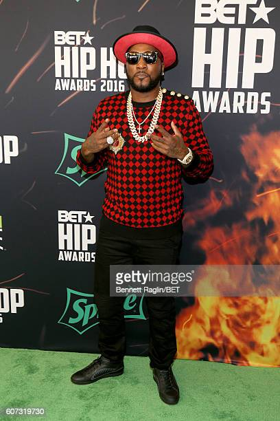 Young Jeezy attends the BET Hip Hop Awards 2016 Green Carpet at Cobb Energy Performing Arts Center on September 17 2016 in Atlanta Georgia