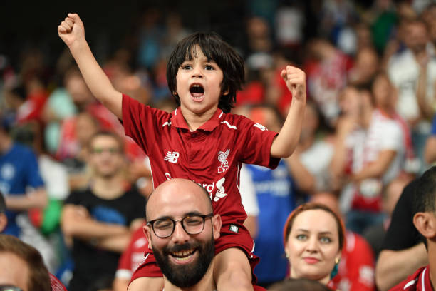 SUPER COUPE EUROPE UEFA 2019 Young-liverpool-fan-shows-support-prior-to-the-uefa-super-cup-match-picture-id1168034915?k=6&m=1168034915&s=612x612&w=0&h=840wBXRzdFLlMQA0RIKCYBELKP-XYQ9RQtE2JgWr4h4=