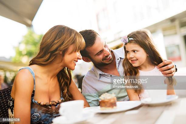 楽しむことが大好きなご家族のお子様には、カフェお食事をお楽しみください。