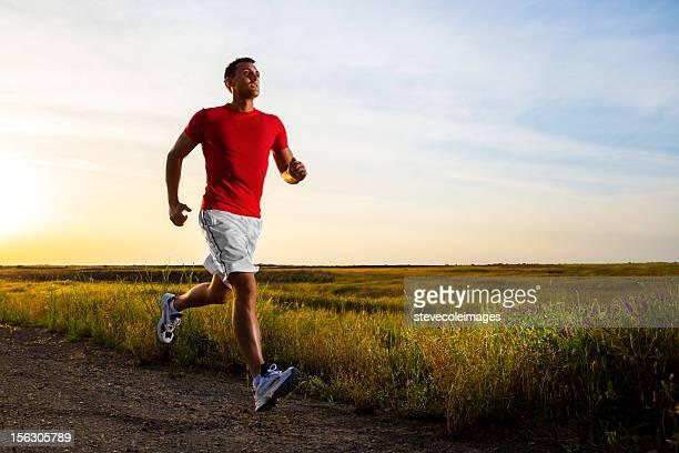 Junge männliche Athlet Runner