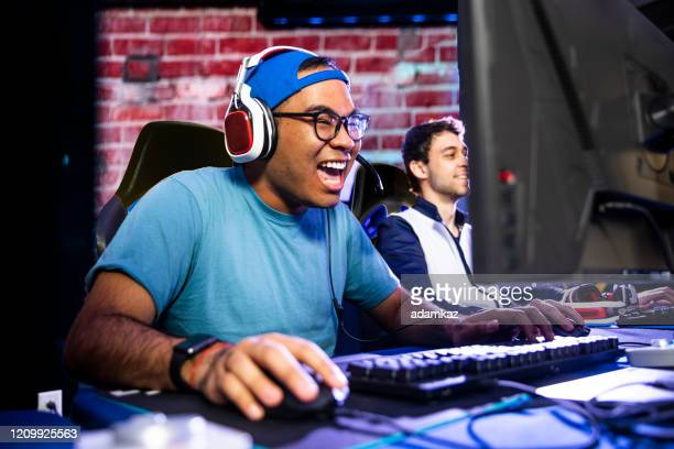 young male esports gamers - esports stock pictures, royalty-free photos & images